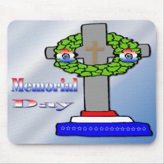 Cross & Wreath -  Memorial Day Mousepad