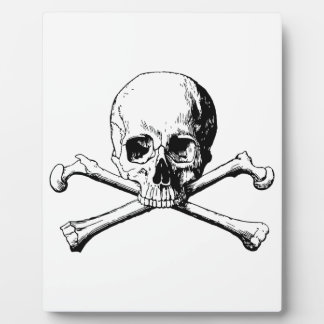 Crossbones skull plaque