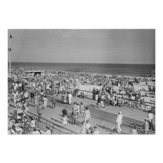 Crowd on Beach Card