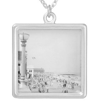 Crowds 2 silver plated necklace