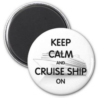 Cruise Ship On 6 Cm Round Magnet