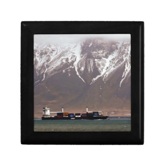 CRUISE SHIPS around SNOW MOUNTAINS America Small Square Gift Box