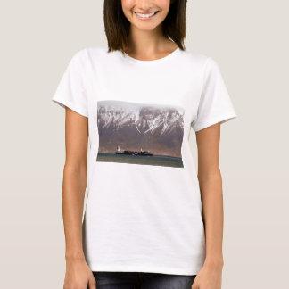CRUISE SHIPS around SNOW MOUNTAINS America T-Shirt