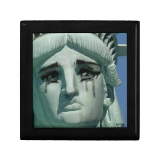 Crying Statue of Liberty Gift Box