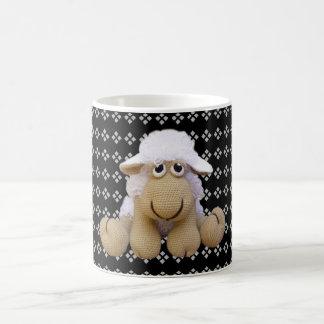 Cup of ewe to crochet with geometric drawings
