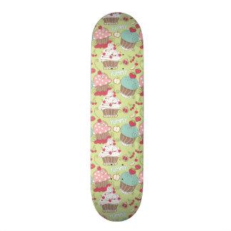 Cupcake pattern skate board