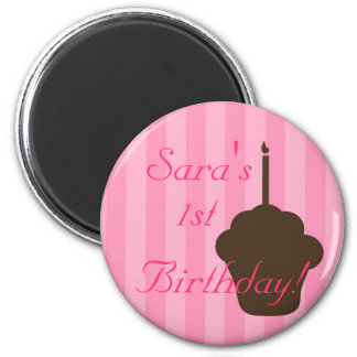 Cupcake with pink stripes magnet
