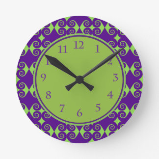 Curly Diamond Pattern Round Clock