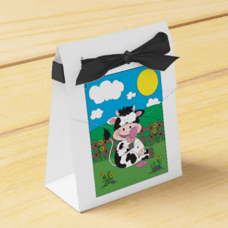 Cute Baby Cow Cartoon With His Favorite Treat Wedding Favour Box