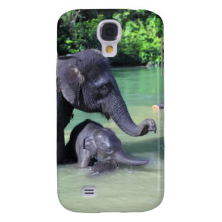 Cute baby elephant bathing in river with mother samsung galaxy s4 covers