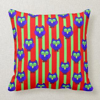 Cute blue  owls seamless  pattern throw pillow