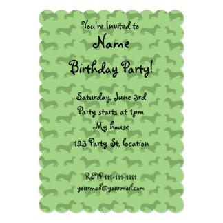 "Cute bright green dachshund pattern 5"" x 7"" invitation card"