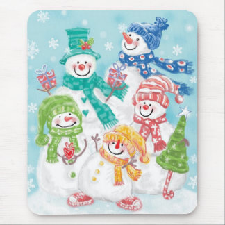 Cute Christmas Snowman Family in the Snow Mouse Pad