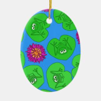Cute frogs ceramic ornament