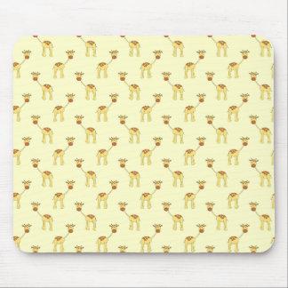 Cute Giraffe Pattern on Yellow. Mouse Pad