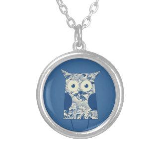 Cute hoot Vintage Owl Round Pendant Necklace