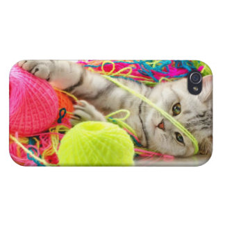Cute Kitty iPhone 4/4S Covers