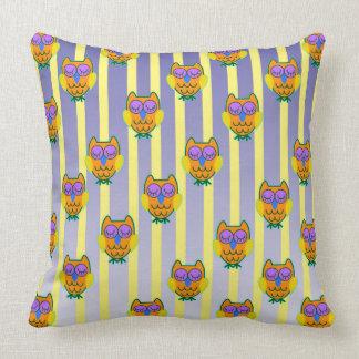 Cute light brown owls seamless pattern throw pillow