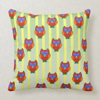 Cute orange   owls seamless  pattern throw pillow