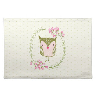 Cute Owl Floral Wreath and Hearts Placemat