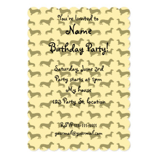 "Cute pastel yellow dachshund pattern 5"" x 7"" invitation card"