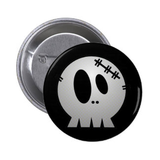 CUTE PATCHY SKULL - GREY BW 6 CM ROUND BADGE