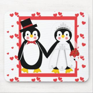 Cute Penguin Couple Wedding Hearts Mousepad