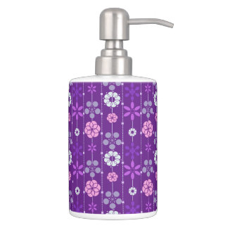 Cute retro purple geometric floral pattern bathroom set