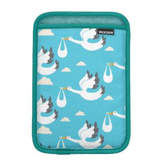Cute Storks carrying babies pattern iPad Mini Sleeve