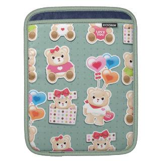 Cute teddy bear Pattern  on green background iPad Sleeves