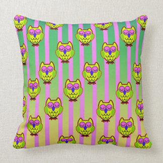 Cute yellow  owls seamless  pattern throw pillow