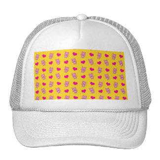 Cute yellow pig hearts pattern trucker hat
