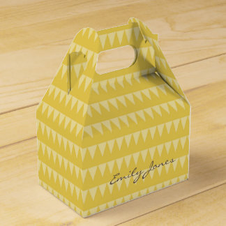 CUTE YELLOW WHITE WATERCOLOUR TRIANGLE COL. FAVOUR BOX