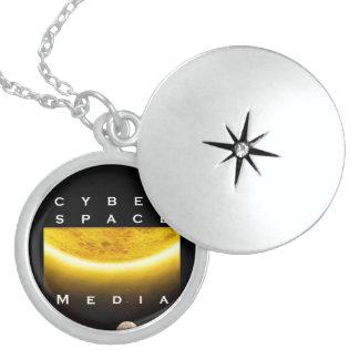 cyber space media round loquet locket necklace