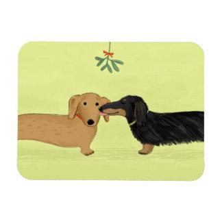 Dachshund Mistletoe Kiss - Wiener Dog Christmas Magnet