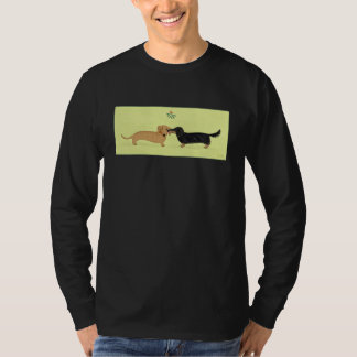 Dachshund Mistletoe Kiss - Wiener Dog Christmas Tshirts