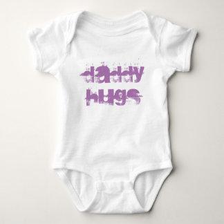 DADDY HUGS BABY BODYSUIT