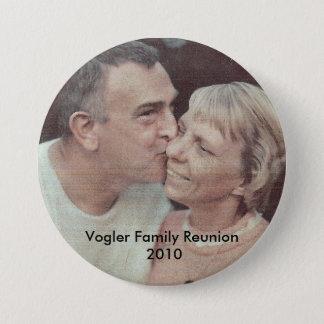 DadkissesMom, Vogler Family Reunion 2010 7.5 Cm Round Badge