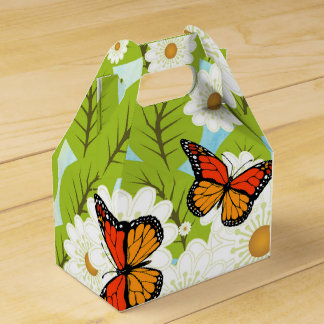 Daisies and butterflies favour box