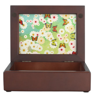 Daisies and butterflies keepsake box