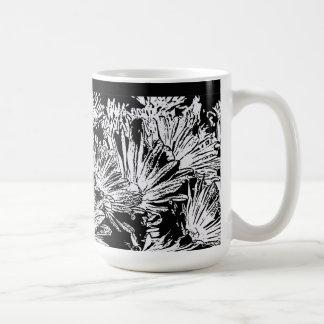 Daisies in Black and White, Mug