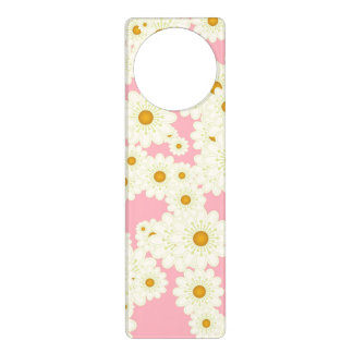 Daisies on pink door hanger