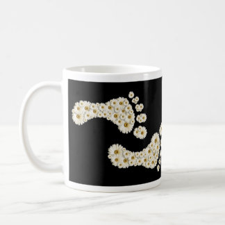 Daisy Footprints 1 Basic White Mug