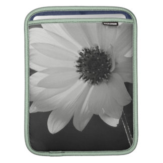 Daisy in Black and white Sleeve For iPads