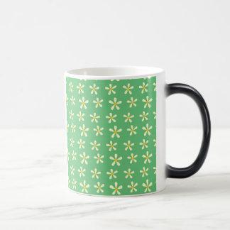Daisy Pattern Yellow & White Daisies on Green Morphing Mug