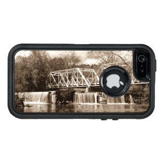 Dam at Finley River Sepia OtterBox iPhone 5/5s/SE Case
