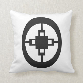 Dame Dame | Symbol for Intelligence and Ingenuity Cushion