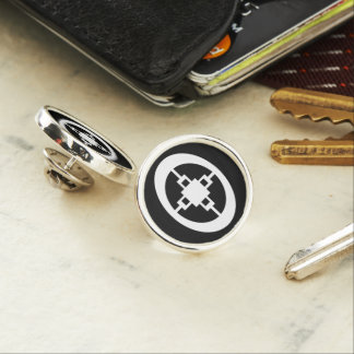 Dame Dame | Symbol for Intelligence and Ingenuity Lapel Pin