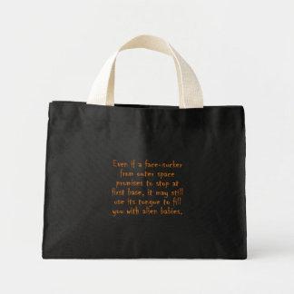 Dangers of online dating (an alien) mini tote bag