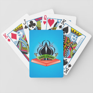 Daniel Escánez shuffles Poker Deck